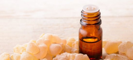 Frankincense_Oil_HEADER.jpg